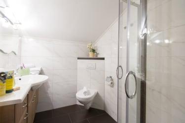 Biohof Maurachgut - Appartement Bergblick - Badezimmer