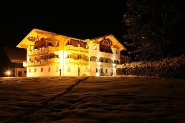 Thurnhof in nächtlicher Winterstimmung