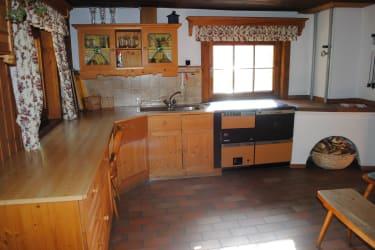 Die größe Küche lädt zum gemeinsamen Kochen ein!