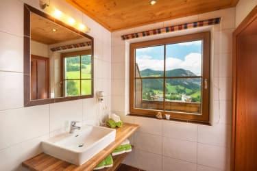 Helles,Modernes Badezimmer