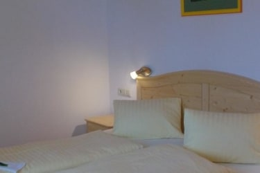 Schlafzimmer 1 Edelweiß