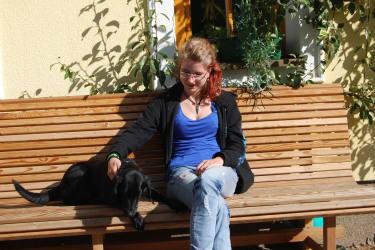 Streicheleinheit für den Hofhund