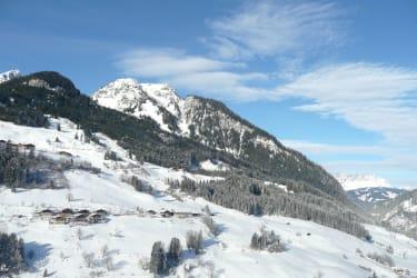 Traumhafte Winterlandschaft Hofansicht