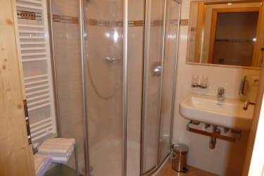 Ferienwohnung 2 Talblick: Dusche / WC