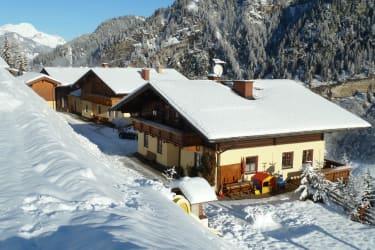 Neuhaus im Winter