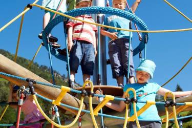 Spielplatz Kletterturm