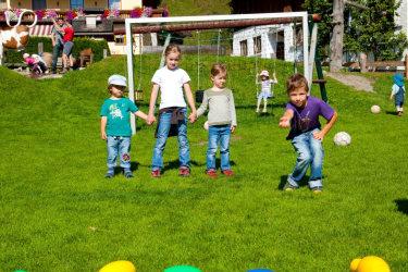 Kinderolympiade mit verschiedenen Bewerben