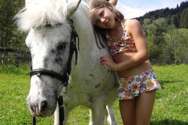 Sarah mit Charly