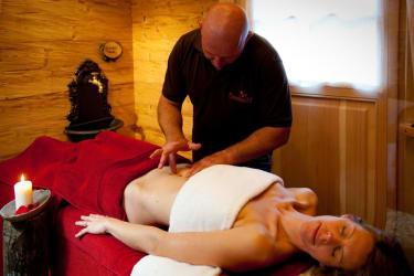 Massage im eigenen Relaxbereich