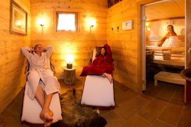 Relaxbereich mit Sauna