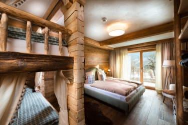 5 Herzen Schlafzimmer Zirberl