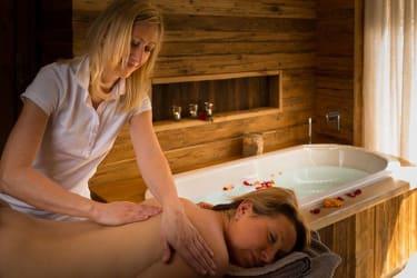 Massagen in der eigenen Kuschelhütte