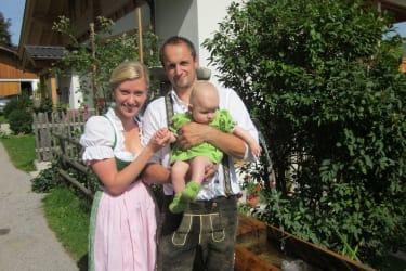 Jungbauern Rudi,Christine mit Tochter Hannah