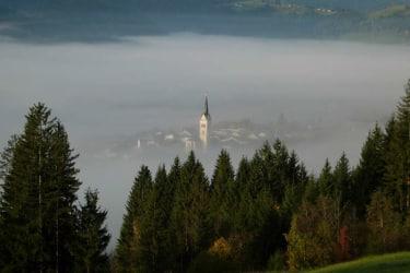 Radstadt im Nebel