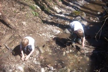 Staudamm bauen