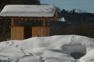 Kinderspielplatz im Winter