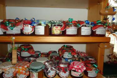 Selbstgemachte Marmeladen für den Frühstückstisch