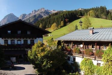 Berghof Wildau + altes Bauernhaus  im Salzburger Landim