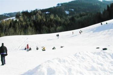Spaß beim Snowtuben