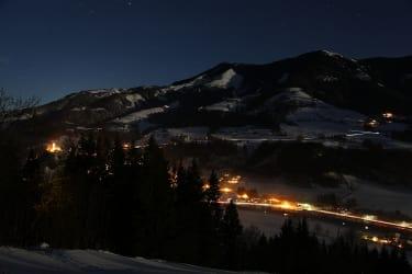 Tal bei Nacht