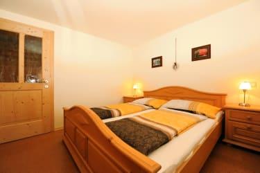 Schlafzimmer Ferienwohnung Rettenegg