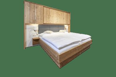 Doppelbett mit eingeklapptem Zusatzbett
