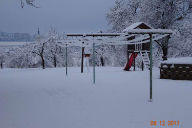 Spielplatz im Winterschlaf