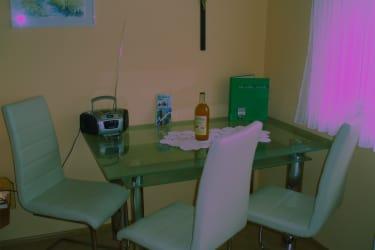 Zimmer mit Essbereich