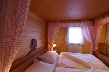 Himmelbett in der Hirschbirnwohnung