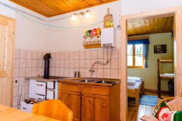 Wohnküche  mit Blick ins Schlafzimmer