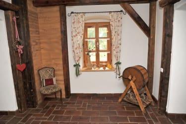 Vorhaus mit altem Zigelboden