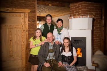 Wir als Familie begrüßen sie sehr herzlich ....