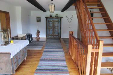Vorhaus mit original rußgeschwärzten Balken