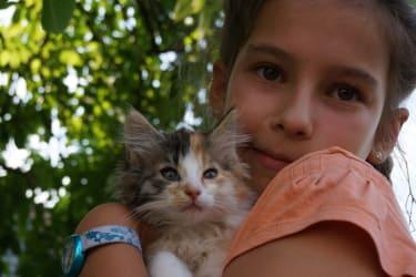 Sarah liebt Katzen über alles und auch den Urlaub in der Südsteiermark