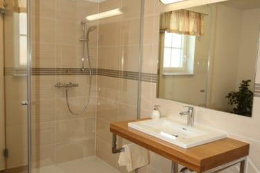 Bad und WC sind getrennt