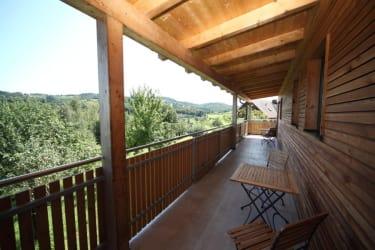 Alle Zimmer verfügen über einen Balkon