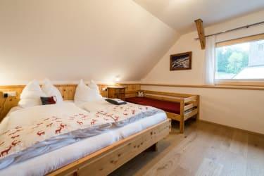 Schlafzimmer mit 3. Bett