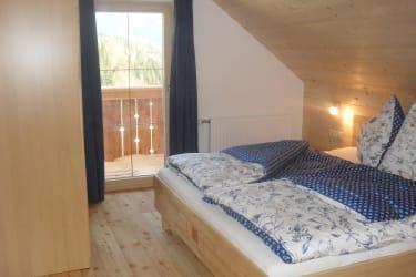 Schlafzimmer mit südseitigen Balkon