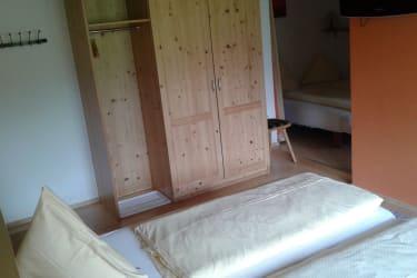 Vierbettzimmer mit Kinderschlafecke