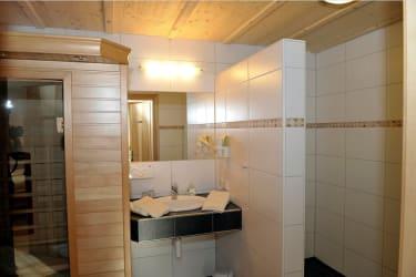 Badezimmer Appartement Kulm