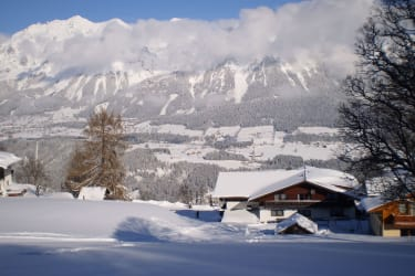 Haus Winter mit Berblick