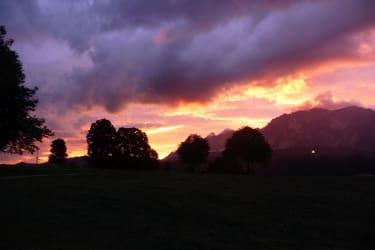 Sonnenuntergang vor Gewitter