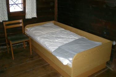 Einzelbett im Dreibettzimmer