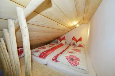 Die Schlafplätze im Spitzboden