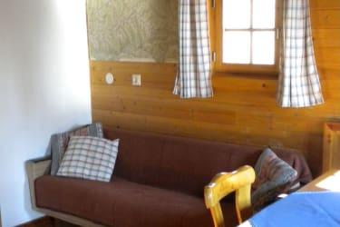 die gemütliche Couch in der Küche