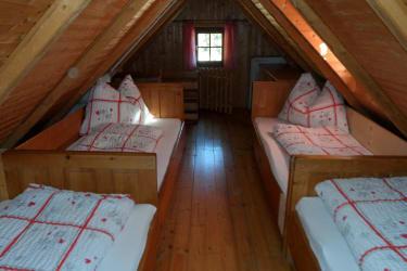 Giebelzimmer mit 4 Einzelbetten