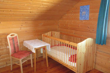 Dorferhütte: Babybett