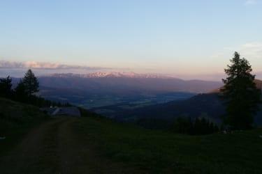 Abendansicht vom Mühlsteinboden Richtung Mariahof