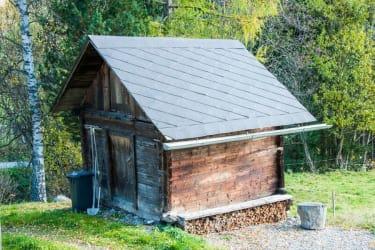 Die Hütte vor der Hütte - der Geräteschuppen