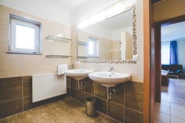 Zu einer großen Wohnung gehört ein großes Bad!